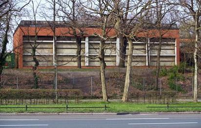 Dickensweg 15  -  Charles Dickens Grundschule - (C) Peter Hahn fotoblues