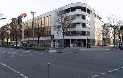 Neue Kantstr. 23-24 / Kuno-Fischer-Str. 22-26  -  Peter-Ustinov-Schule - (C) Peter Hahn fotoblues