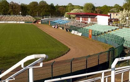 Weißenseer Weg 55-59  -  Stadion im Sportforum Hohenschönhausen - (C) Peter Hahn fotoblues