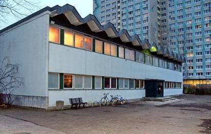 Alt-Friedrichsfelde 66  -  Adam-Riese-Grundschule - (C) Peter Hahn fotoblues