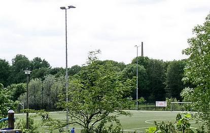 Teterower Ring 71  -  Stadion Wuhletal - (C) Peter Hahn fotoblues