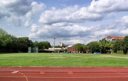 Wullenweber Str. 15  -  GutsMuths-Sportzentrum - (C) Peter Hahn fotoblues