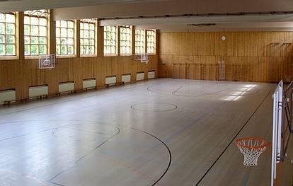 Wullenweber Str. 15  -  GuthsMuts Sportzentrum - (C) Peter Hahn fotoblues