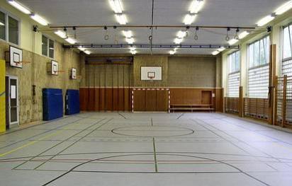 Guineastr. 17-18  -  Anna-Lindh-Schule - (C) Peter Hahn fotoblues