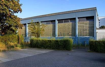 Finsterwalder Str. 52-54  -  Greenwich-Grundschule - (C) Peter Hahn fotoblues