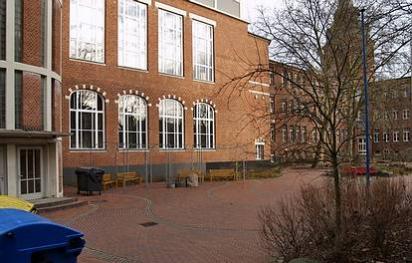 Herrmann-Ehlers-Oberschule - (C) Peter Hahn - fotoblues.net
