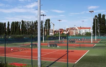 Tennisplätze - (C) Peter Hahn fotoblues