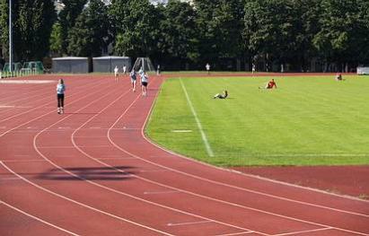 400m Rundlaufbahn - (C) Peter Hahn fotoblues