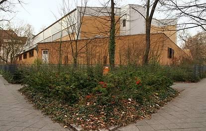 Friedrichshaller Str. 9 / Reichenhaller Str. 8  -   Alt-Schmargendofer Grundschule - (C) Peter Hahn fotoblues